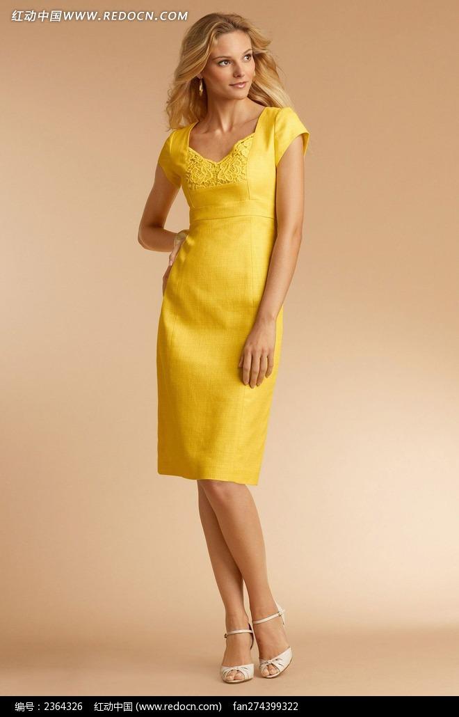 穿黄色连衣裙的外国美女图片
