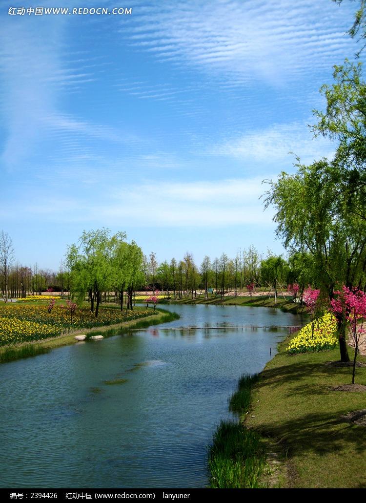小河流水图片_自然风景图片