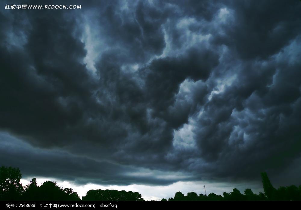 天空乌云背景图片