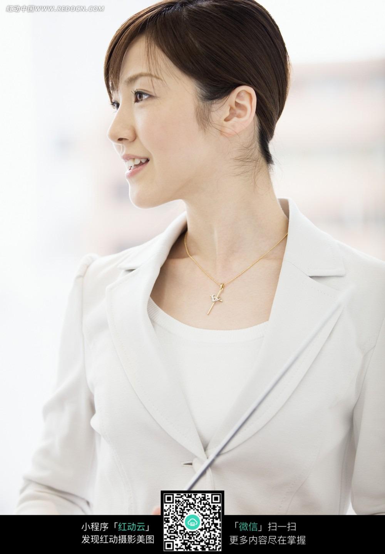商务女性侧面图片