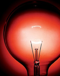 红色灯泡钨丝图片