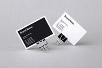 黑白横版名片PSD免费模板