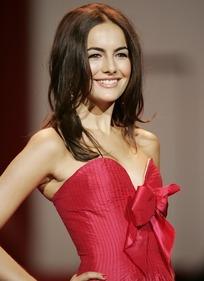 外国美女明星-卡米拉·贝勒