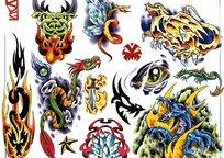 神龙彩色手绘纹身图案