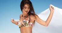 外国内衣广告美女模特图片