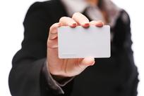 出示卡片的手势