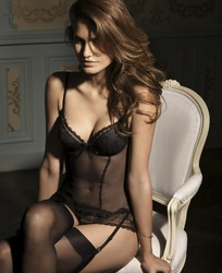 黑色透明内衣模特美女