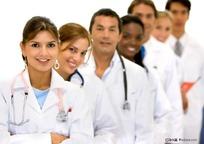站成一排的外国医生