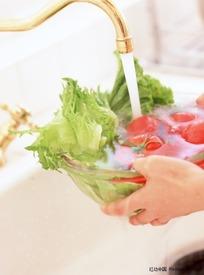 洗水果蔬菜