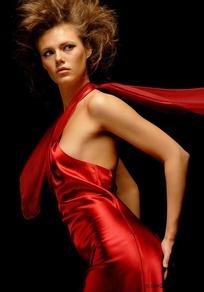 性感美女 长裙/身穿红色长裙的外国性感美女