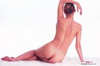 侧坐的性感裸体美女