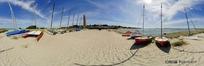 360全景图-海边沙滩上的帆船