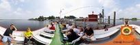 360全景图-码头游船上的游客人物