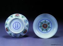 中国瓷器文物-大清年间彩绘花纹图案瓷碗正底特写