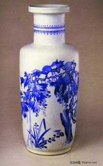 中国瓷器文物收藏-花鸟图案青花瓷瓶