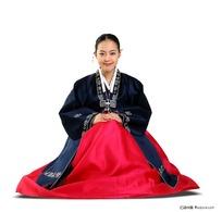 朝鲜族服装美女