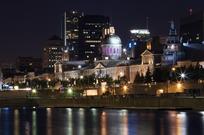河边城市灯光夜景