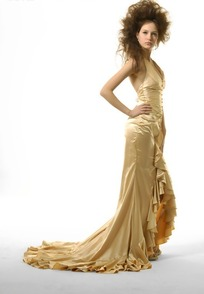 美丽女人的千娇百媚 美丽的时尚女模特 手绘绘制服装设计稿图片