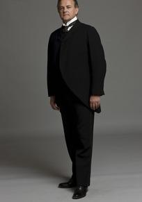 穿黑色西装的外国成功男人