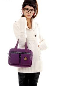 美女 衣衫/白色衣衫紫色包包的美女