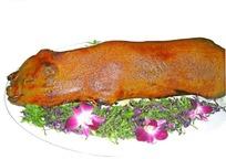 碟子里的烤乳猪psd分层素材
