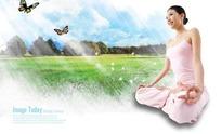 大自然阳光沐浴下的瑜伽练习者