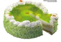 被切出一块的猕猴桃奶油蛋糕(带PSD Mask抠图遮罩)