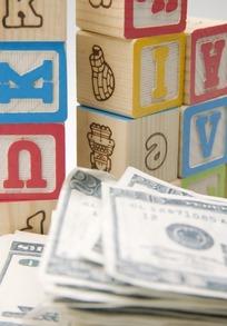 英文字母方块积木与美钞
