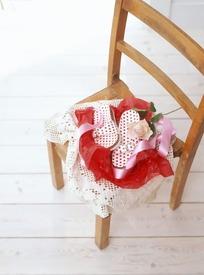 椅子上的鞋子圣诞礼物