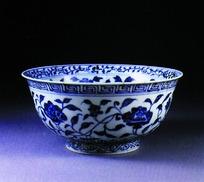 精美的青花瓷碗