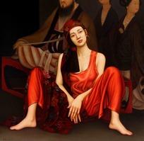 古代画像前的红衣女子