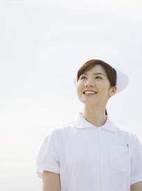 微笑的韩国女护士