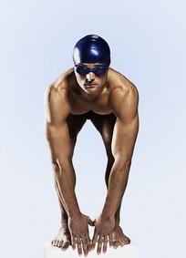 预备池边游泳的游泳运动员才女_体育运动图片围棋图片侯图片