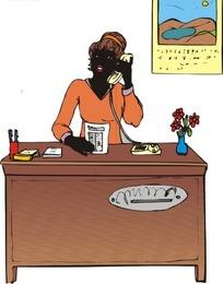 办公桌前打电话的黑人美女