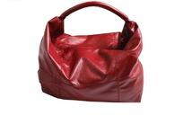 红色时尚女式包