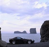 海边停放的汽车