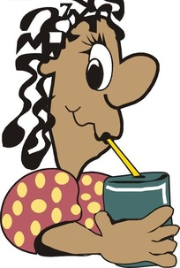 喝饮料的黑人美女