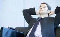 陪男人睡觉一次多少钱