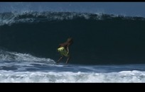 水上运动视频 海上冲浪的男子背影