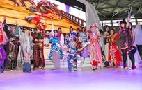 展会模特-舞台上一群游戏角色扮演男女