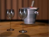 情人节短片视频 油漆桶前旋转的两个高脚玻璃杯