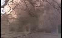 木房子失火喷出的浓烟