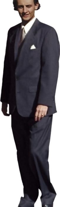 穿着深灰色西装微笑的外国男人psd素材