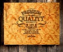 木板上的老旧发黄卡纸