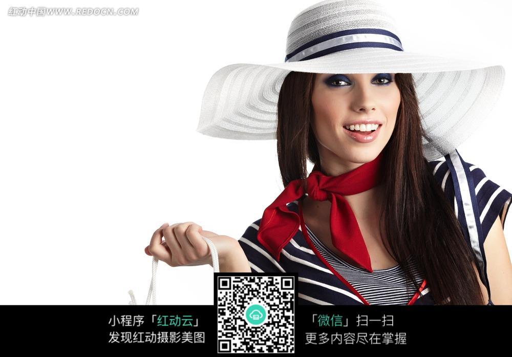 戴帽子的美女图片_女性女人图片