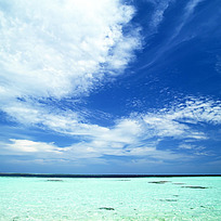 蓝天海面摄影图片