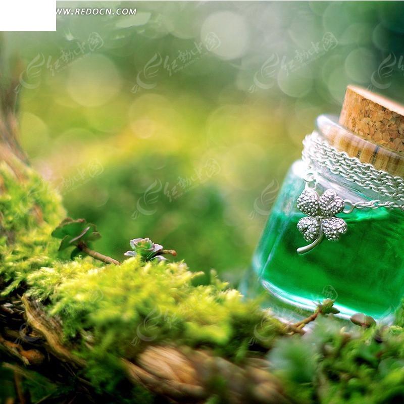 装绿色液体的玻璃瓶淘宝主图背景jpg素材免费下载_红