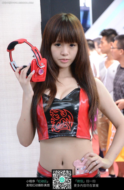 平刘海的可爱女孩图片