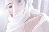 裹着丝巾的美女写真摄影