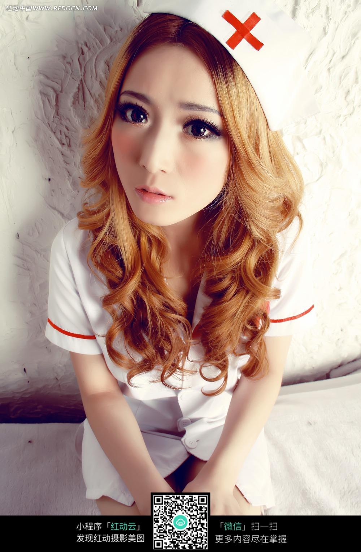 金发女护士美女图片